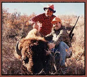 buffalo hunting, buffalo hunting guides, bison hunting, bison hunting guides, sunset ridge outfitters